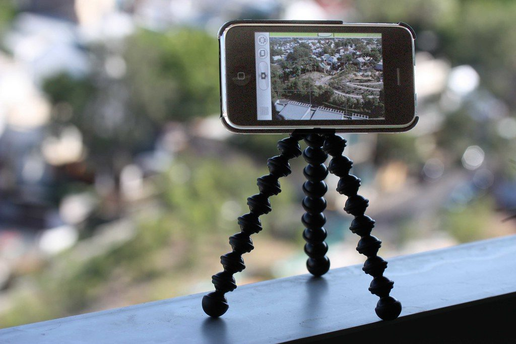 If Your iPhone Takes Blurry Pictures, Use a Tripod