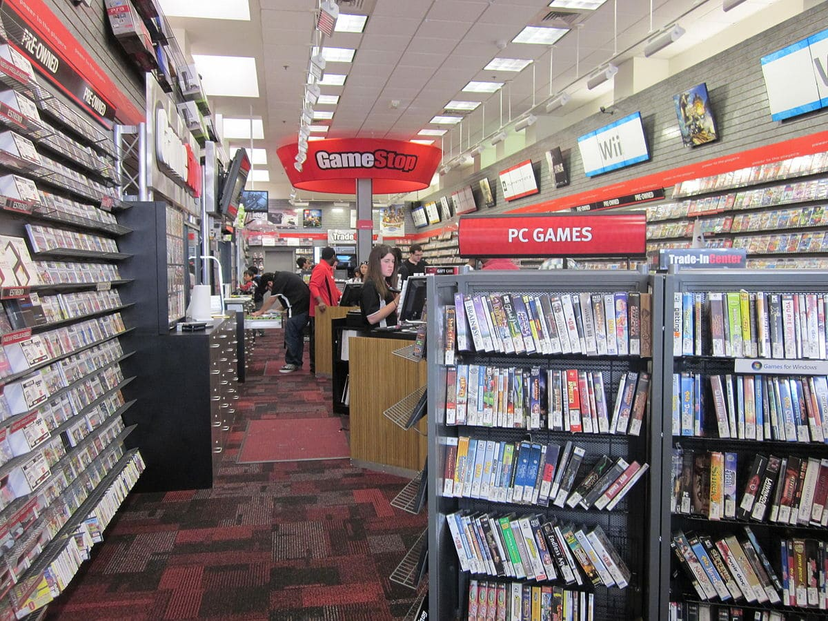 1200px-GameStop_on_Powell_St.,_SF_interior