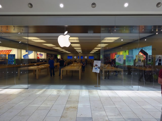 Apple Store Visit for iPad Charging Slow