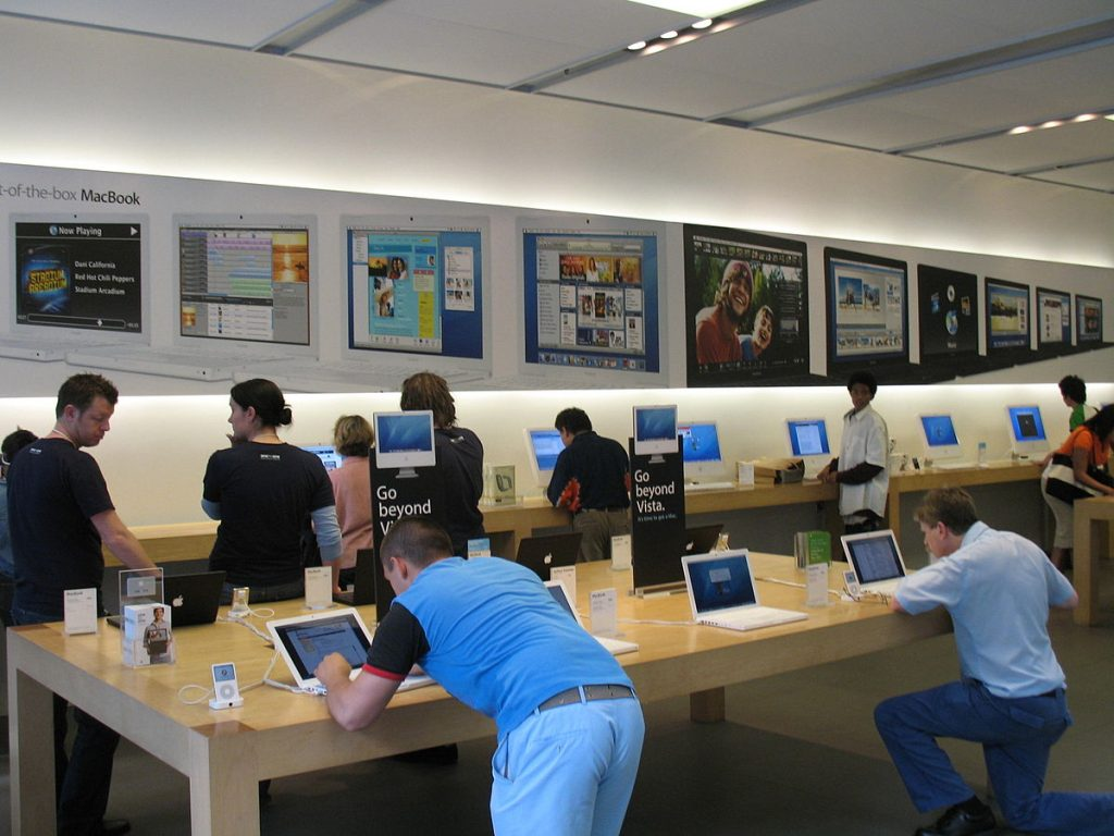 Trade-in your phone at Apple Store