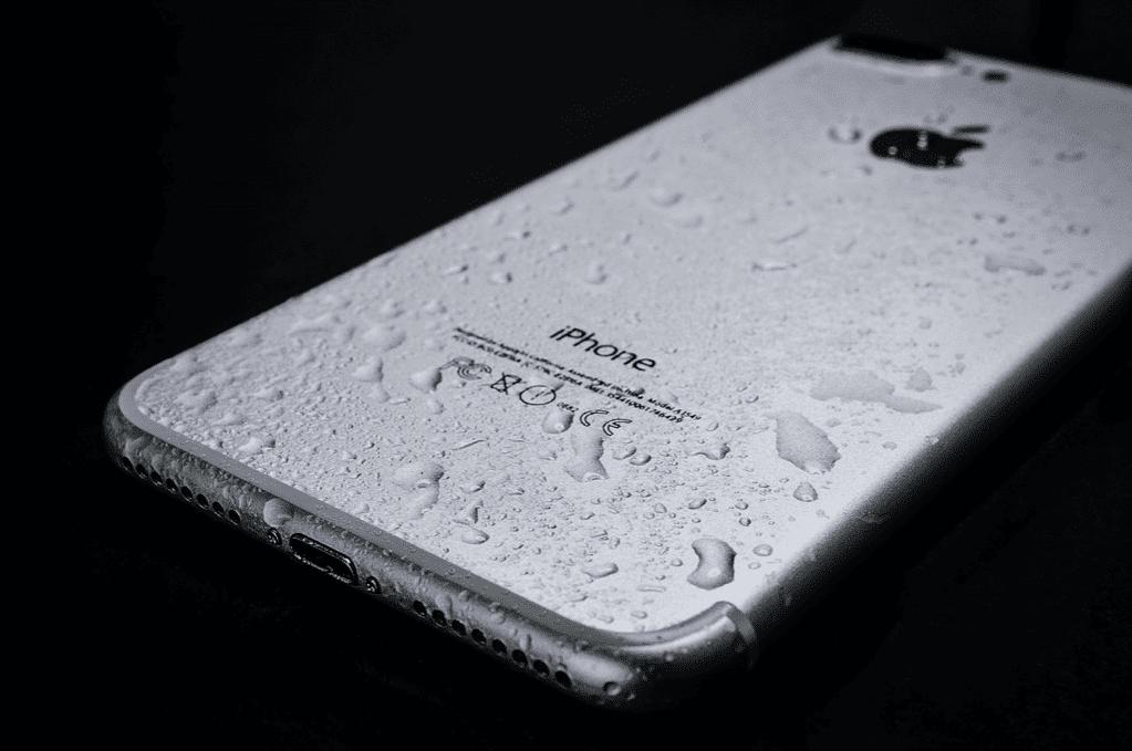 Checking iPhone Water Damage
