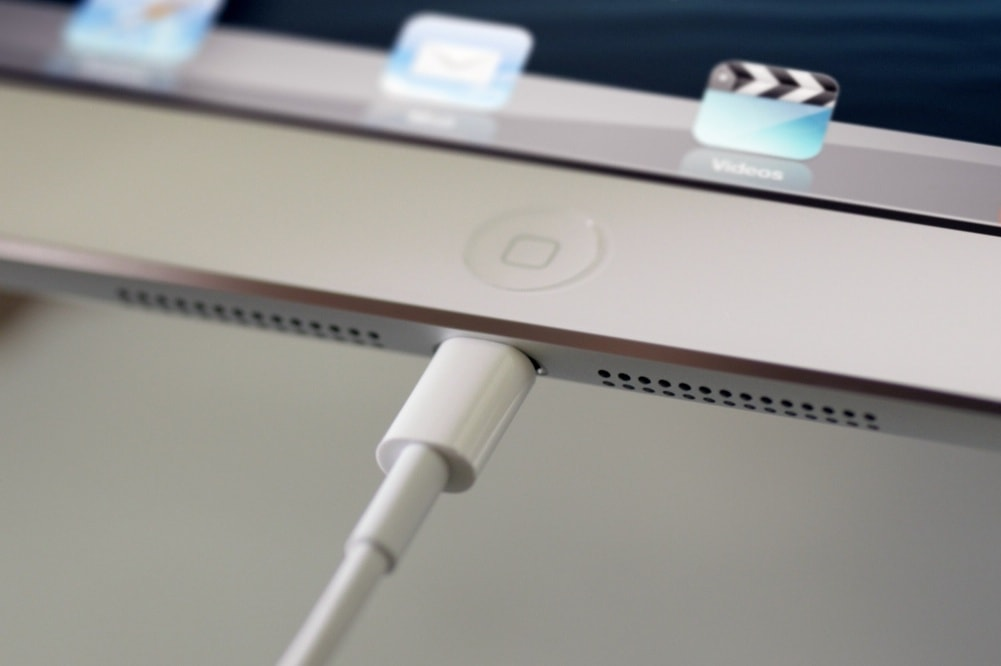 Lightning Cable for iPad Stuck on Apple Logo