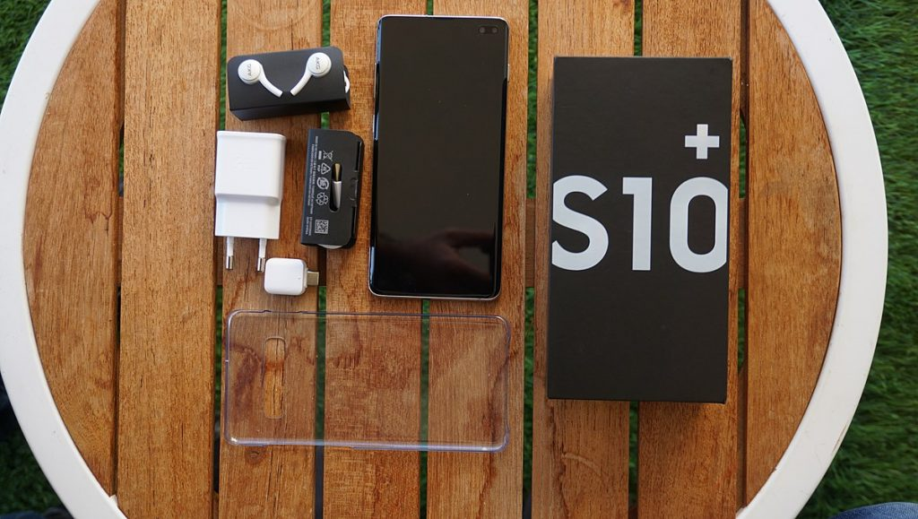 Unboxing Samsung Galaxy S10 Plus