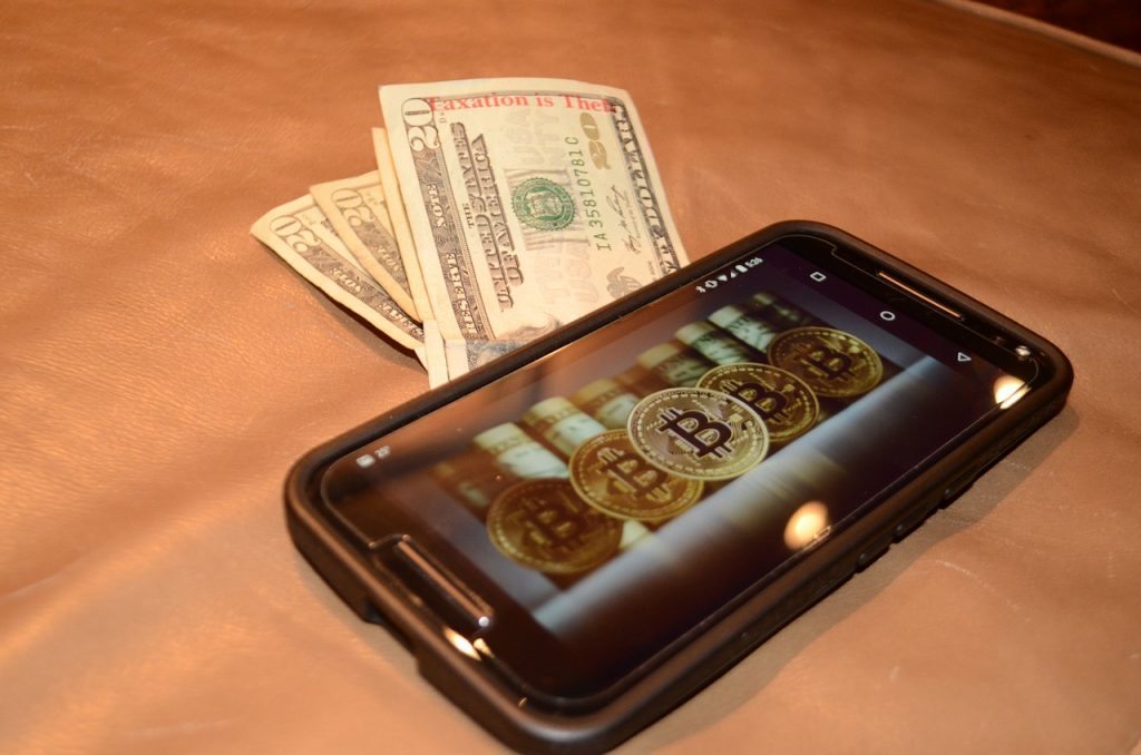 Old and Broken: iPhone and Cash